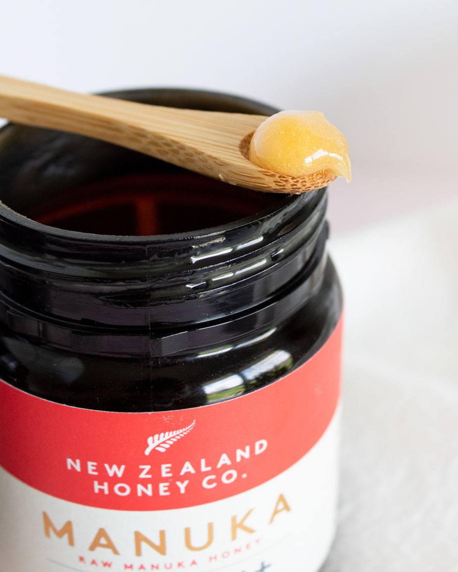 Raw Manuka Honey Texture