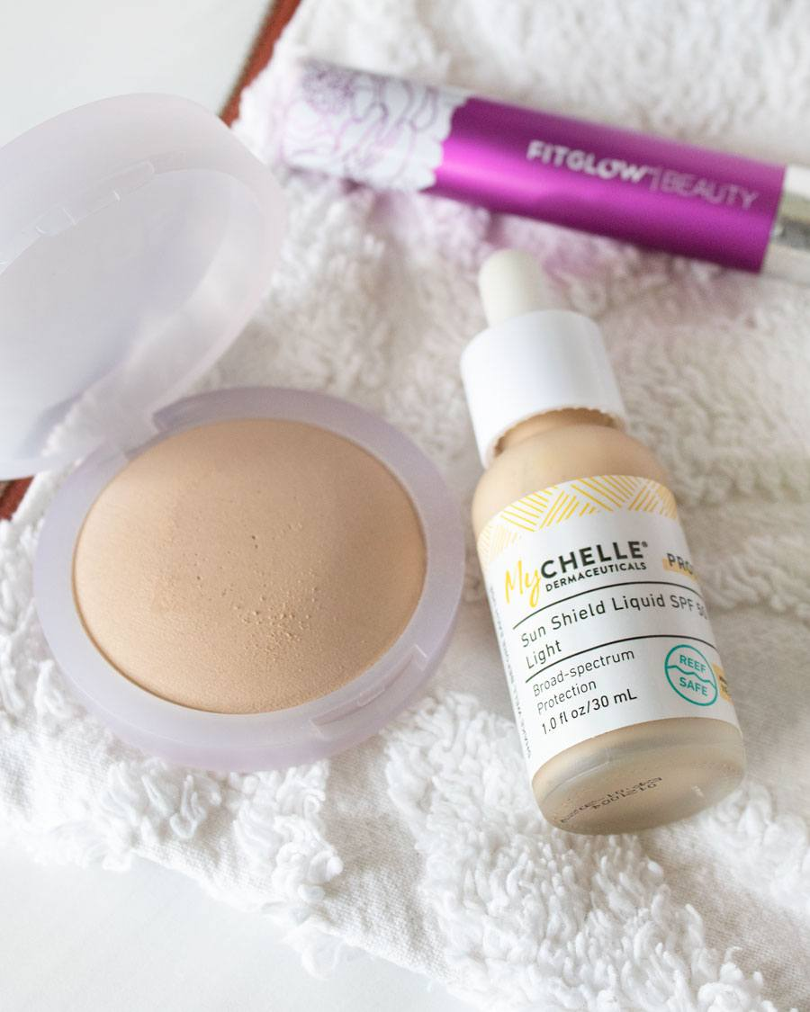 MyChelle Dermaceuticals Sun Shield Liquid SPF50 Kosas Cloud Setting Powder